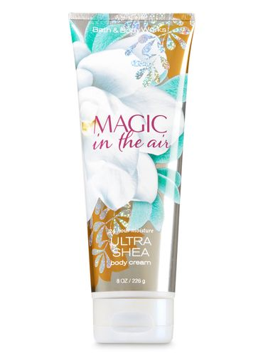 Crema-Corporal---Magic-in-the-Air---Bath---Body-Works